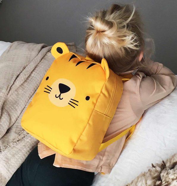 BPTIYE31-LR-4 Little backpack Tiger