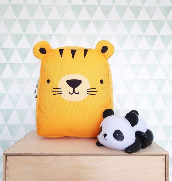 BPTIYE31-LR-9 Little backpack Tiger